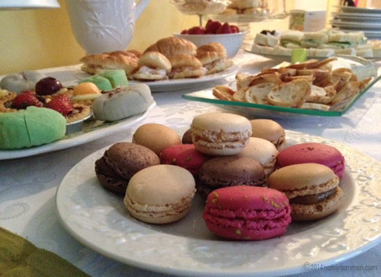tea party macaroon 550x400